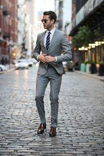 9034d927f9594933498edf935b108671--light-gray-suits-grey-suits-men