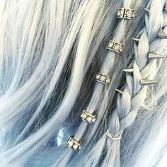ba4078115e1243610919d82fae7cb0ad--hair-spikes-accessories-hair-styles-with-accessories