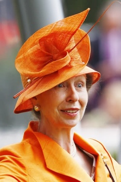 a1dcc6a5c5cc6317a98b834c345e149a--ascot-hats-real-princess